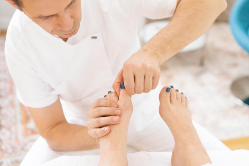 Fussstimulierende Wellness-Reflexmassage